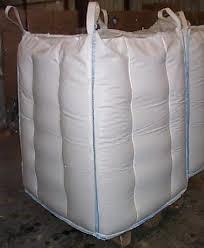 Big bag construction avec panneaux de renforts